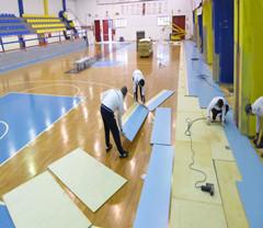 体育木地板生产团队