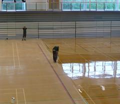 体育木地板上漆