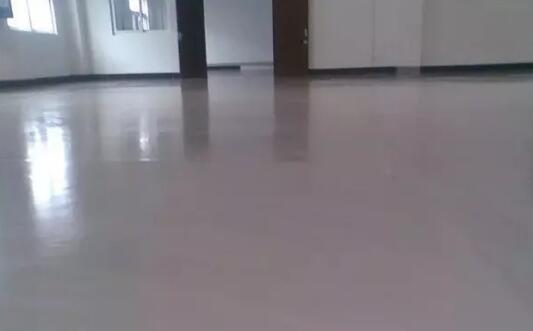 体育馆地面不平,铺不了专用体育木地板该怎么办?
