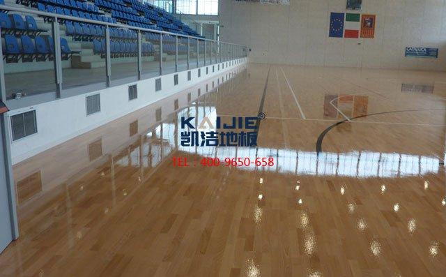 专业的安装难道真的是体育木地板的保障——凯洁地板