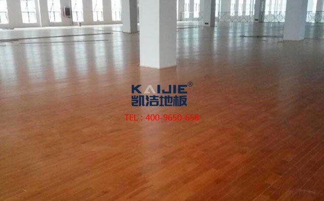 体育馆木地板厂家直销价格多少钱一平米——凯洁地板