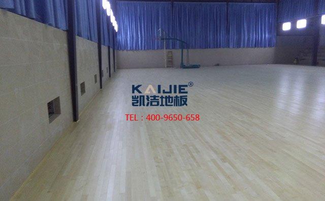 专业体育馆木地板涮漆,得知道这些——凯洁地板