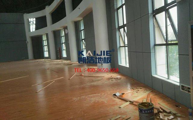 体育馆木地板使用过程中的保养误区——篮球场木地板