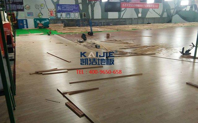 选购体育馆运动木地板只需这四步——篮球场木地板