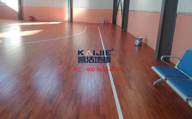 体育馆实木运动地板四大优异性能是什么——篮球馆木地板