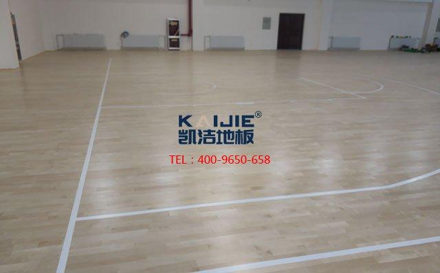 专业的体育运动木地板施工工艺——篮球场木地板