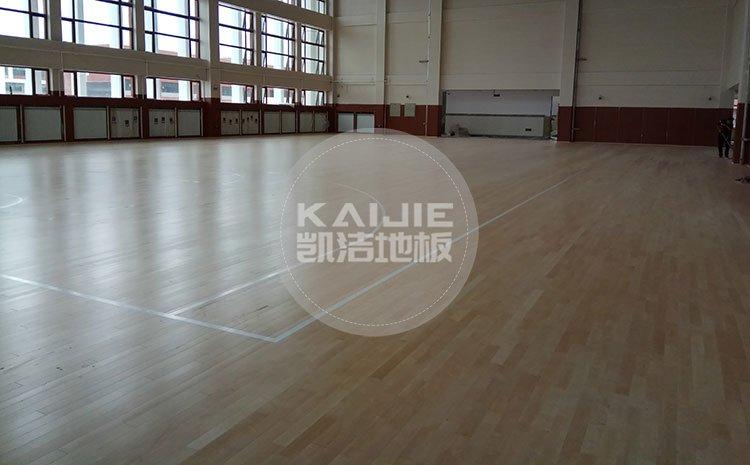 怎么选购优质体育木地板?健身房木地板价格——体育馆木地板厂家