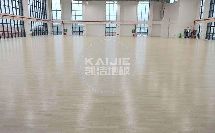 乒乓球场地专用木地板厂家哪个好——篮球场木地板厂家
