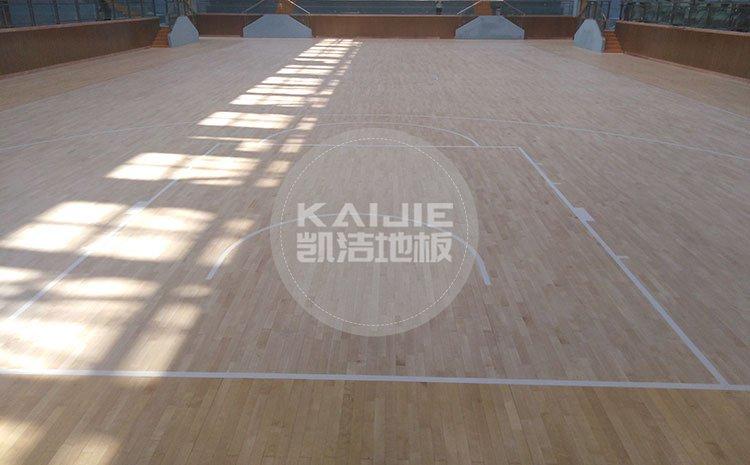 室内篮球场实木地板哪家便宜——体育馆木地板厂家