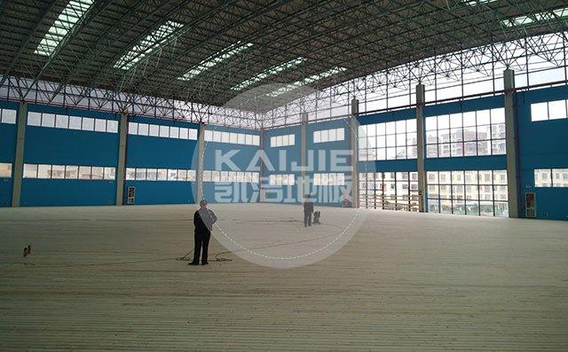 体育馆木地板漆面损坏怎么处理——凯洁地板