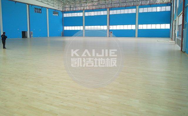 体育馆木地板漆面损坏怎么处理——篮球场木地板厂家