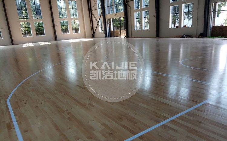 投资一个专业篮球场馆大概需要多少钱——篮球地板厂家