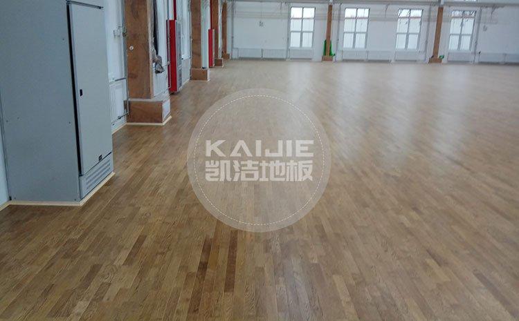 运动专业体育木地板施工方案——凯洁运动木地板