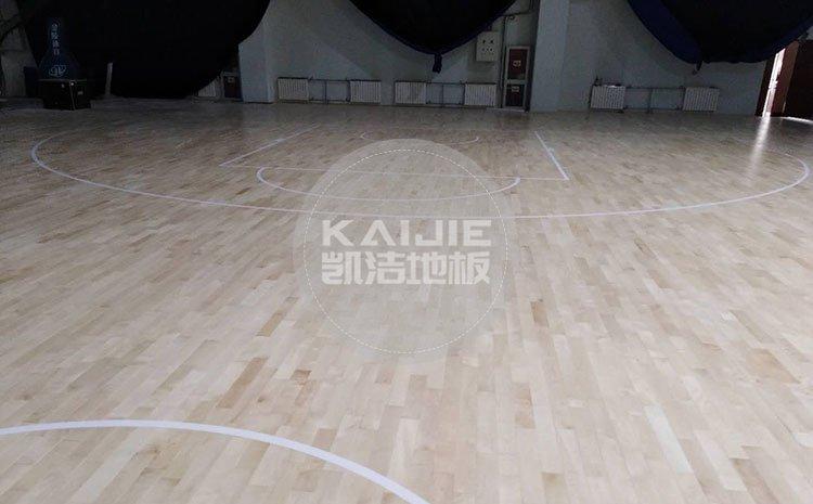 购买体育馆运动木地板,选择厂家安装好吗——体育地板厂家