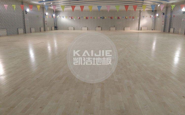 PVC运动地板与实木运动地板哪个更好呢——体育地板厂家