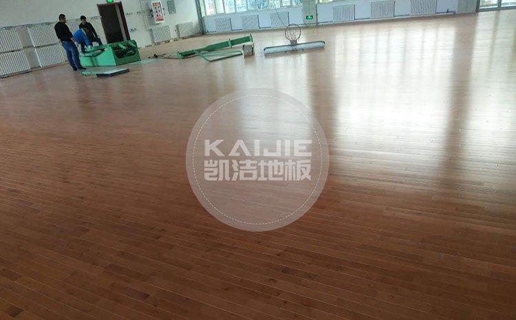 健身房运动场馆木地板漆面受损怎么处理——健身房木地板