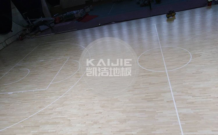 体育馆运动木地板色差能控制吗——运动木地板厂家