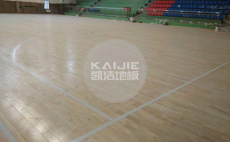 专业篮球馆木地板体育性能是什么——篮球地板生产厂家