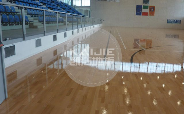 羽毛球馆木地板使用什么材质好——凯洁地板