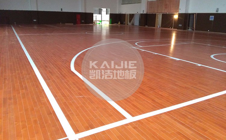 不同季节对篮球馆木地板保养一样吗——凯洁地板