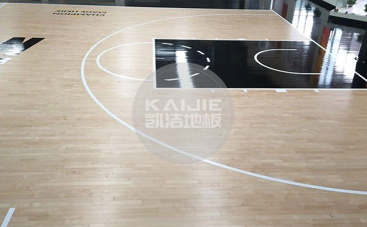 南宁体育馆专用木地板应该怎么选择——篮球地板厂家
