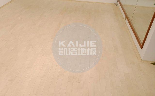 体育馆运动木地板脏了有什么清理技巧——健身房木地板品牌