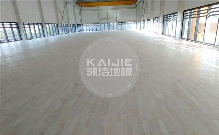 湖北武汉青山区羽毛球馆木地板项目