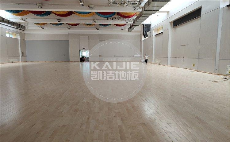北京回龙观育新学校篮球馆木地板案例