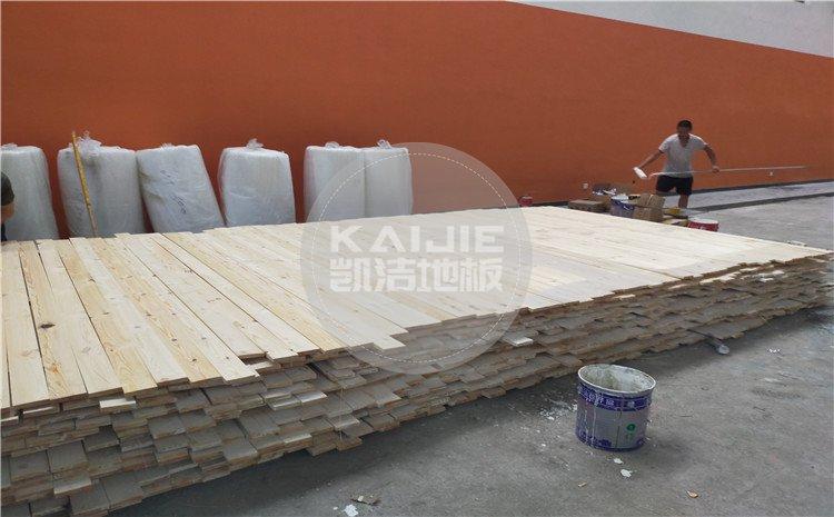广州天河区长大公路培训学校篮球馆木地板案例