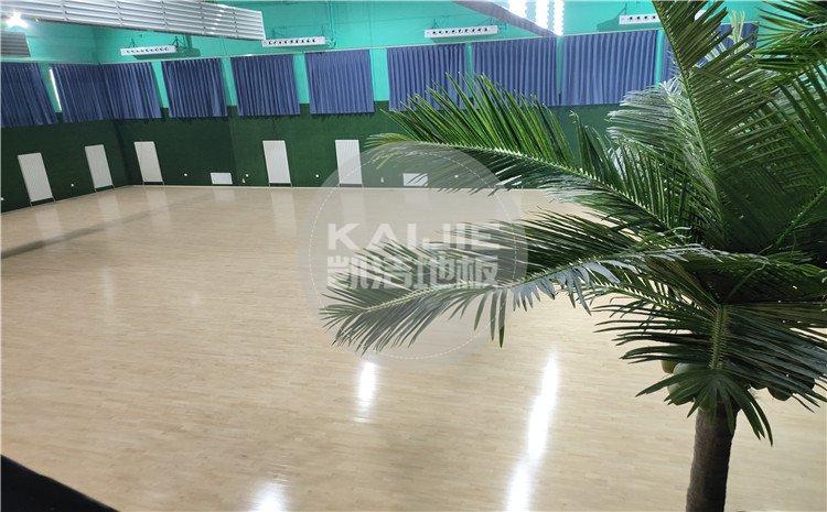 北京宏伟顺通羽毛球馆木地板——凯洁体育地板