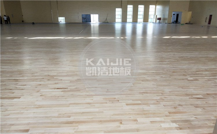 陕西神木第*高级中学体育馆木地板案例—凯洁体育木地板厂家