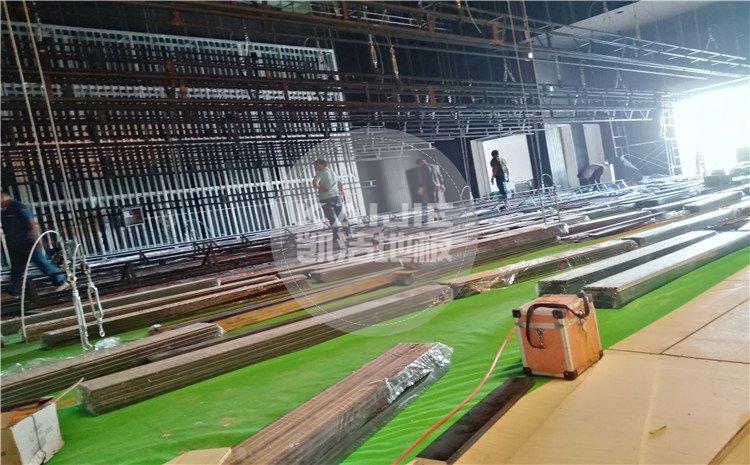 四川省乐山市沙湾区铜河广场剧院舞台木地板案例—凯洁体育木地板厂家