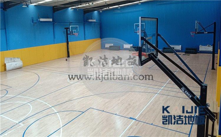 北京市海淀区铁盟物流篮球馆和羽毛球馆木地板案例<