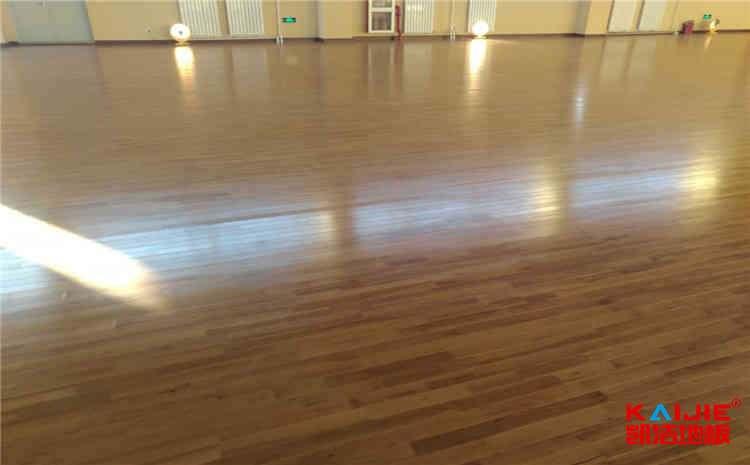 硬木企口篮球场地板厚度