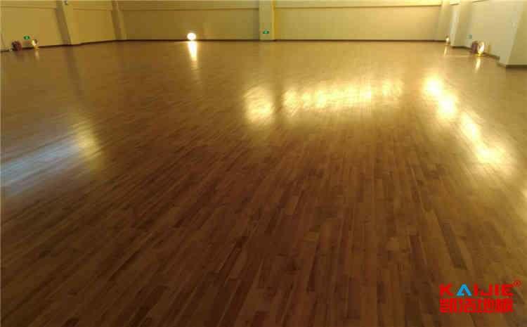 吉林体育木地板多少钱