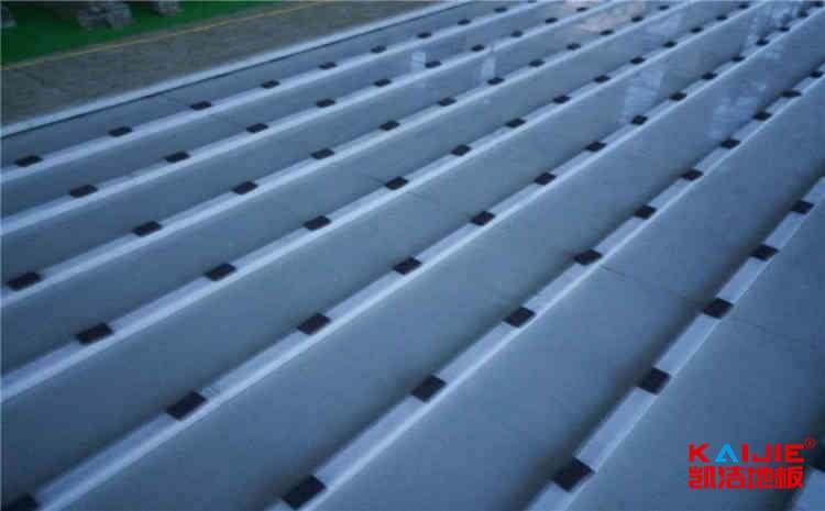 体育场馆木地板怎么做好日常维护