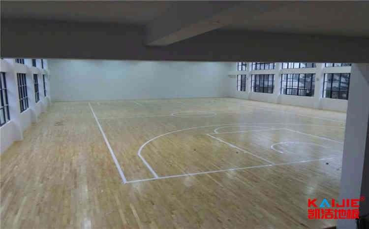 常见的风雨操场木地板多少钱