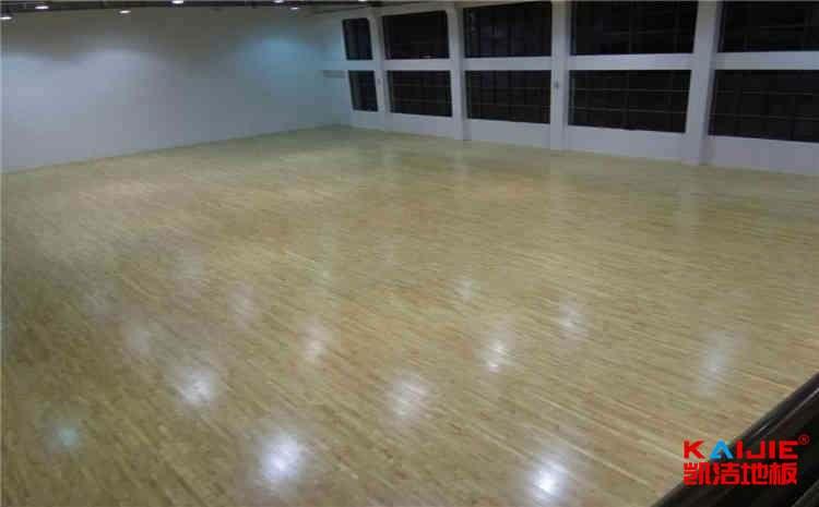 广州体育地板厂家批发