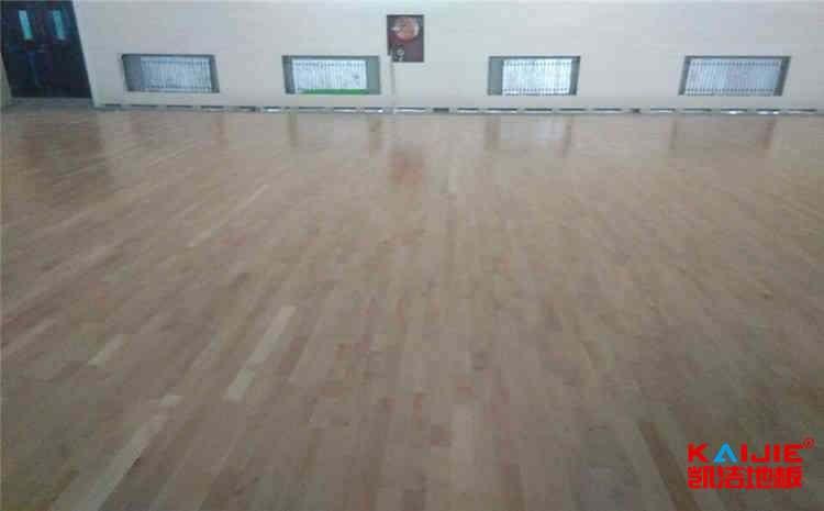 大型篮球馆地板施工方案