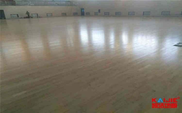 新疆篮球木地板施工