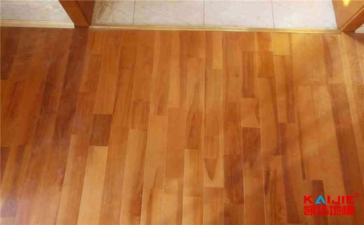 企口舞台木地板怎么维护
