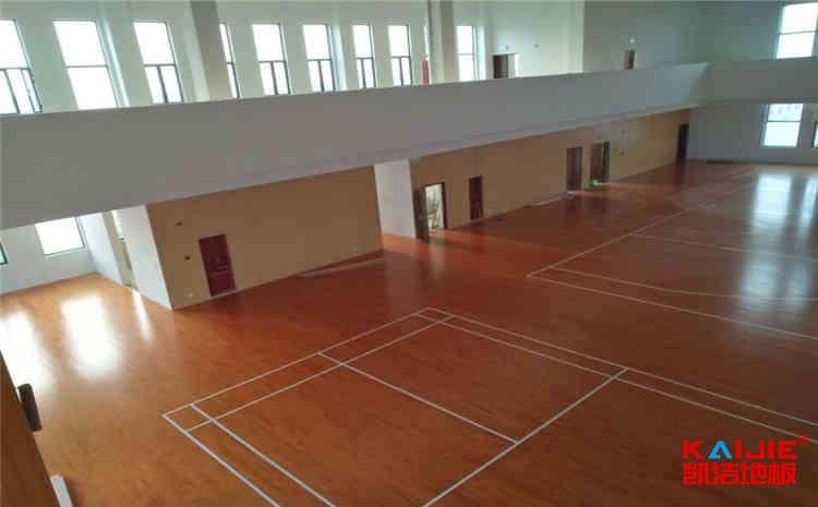 重庆体育地板直销
