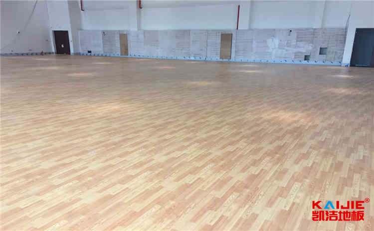 枫木舞台木地板施工方案