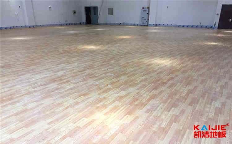 常用的舞台木地板安装