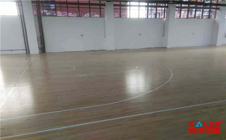 羽毛球馆木地板和家装木地板的区别