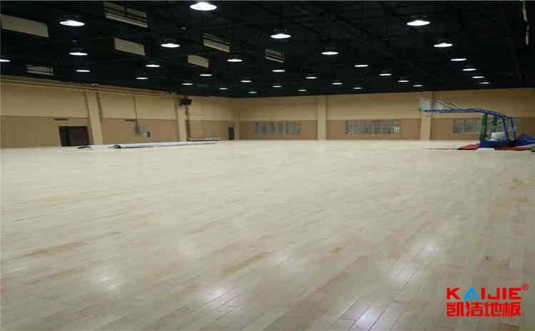 广州体育木地板功能