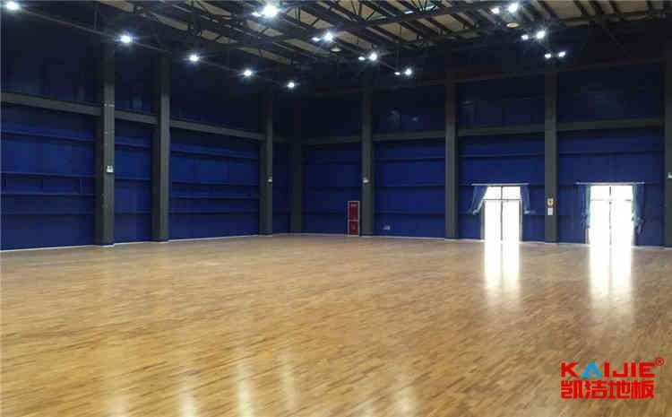 南宁体育木地板厂家——凯洁地板