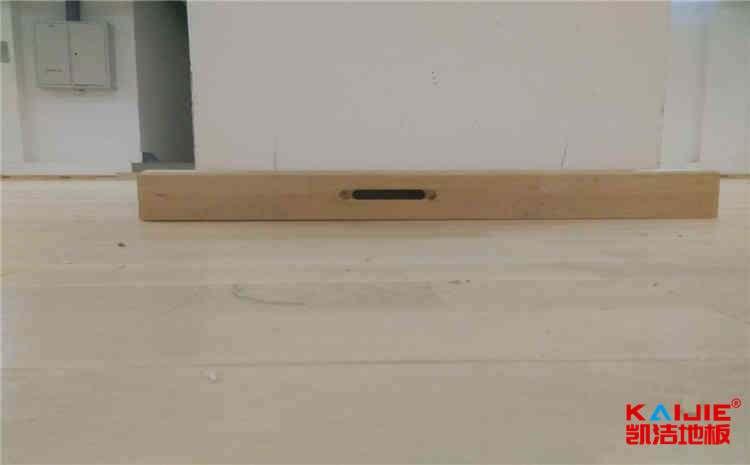 室内专用实木运动地板日常护理细则
