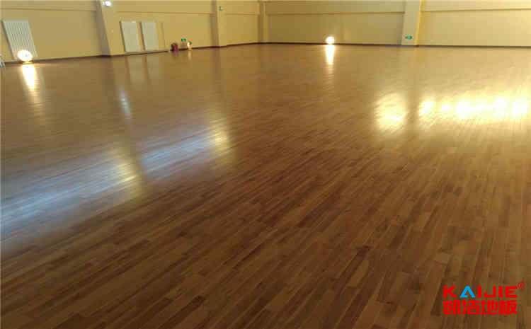 硬木企口篮球馆木地板施工工艺