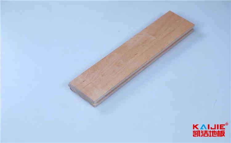 企口篮球场地板安装